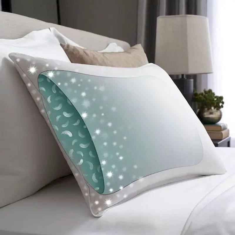 Luxury bedroom design ideas with goose feather 38
