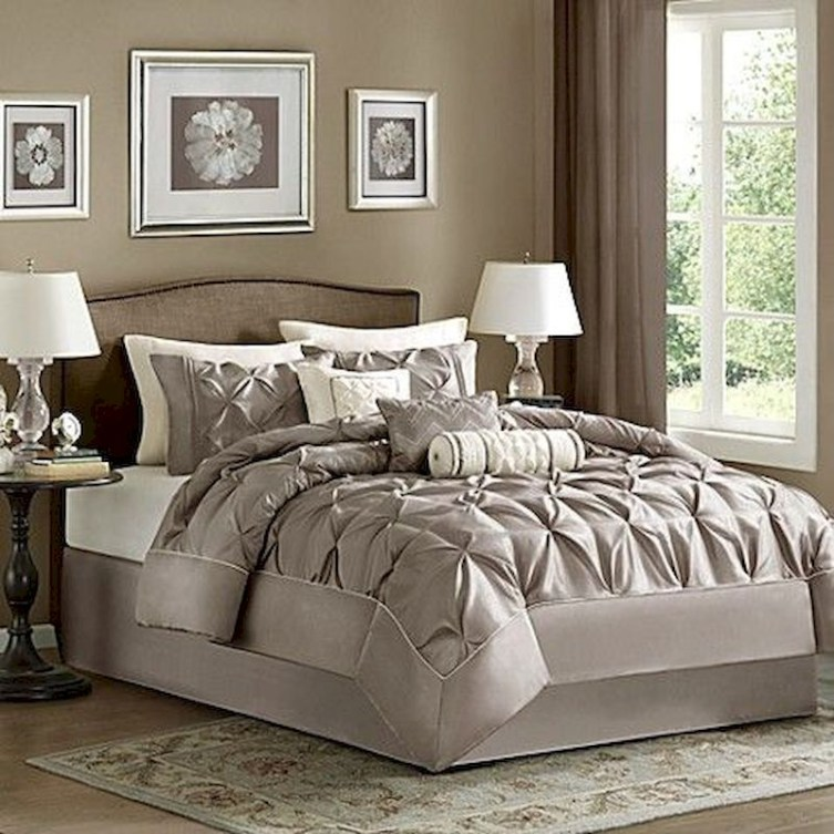 Luxury bedroom design ideas with goose feather 49