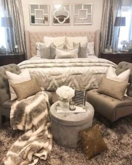 Romantic bedroom decorating ideas in your apartment 18