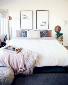 Romantic bedroom decorating ideas in your apartment 23