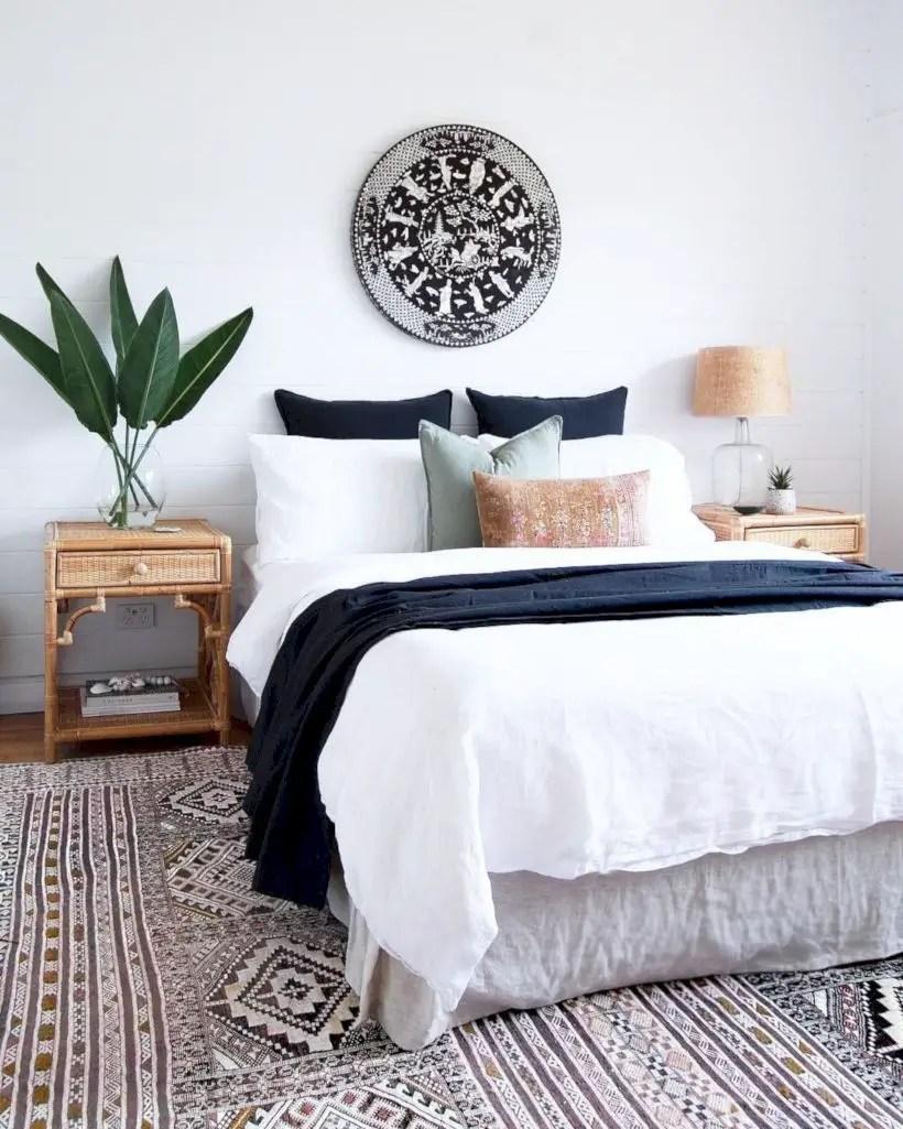 Romantic bedroom decorating ideas in your apartment 38