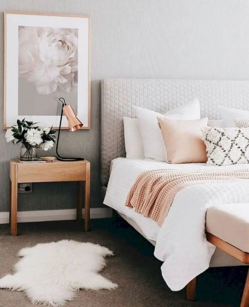 Romantic bedroom decorating ideas in your apartment 45