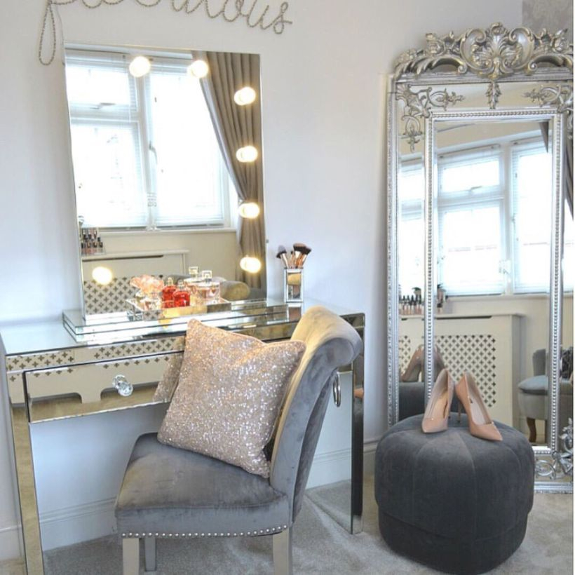 The best makeup table design ideas that you must copy right now 13