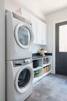 Inspiring small laundry room design ideas in spring 2019 40