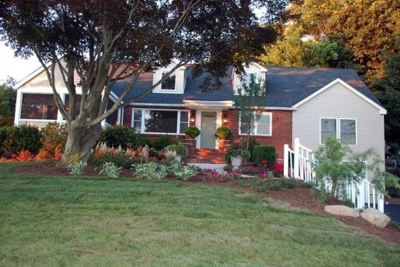 Best front yard design ideas for summer in your home 41