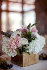 Inspiring wooden box ideas for flower that you can try 06