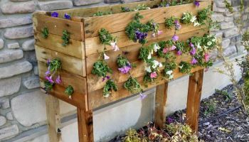 Inspiring wooden box ideas for flower that you can try 14