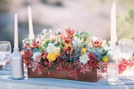 Inspiring wooden box ideas for flower that you can try 19