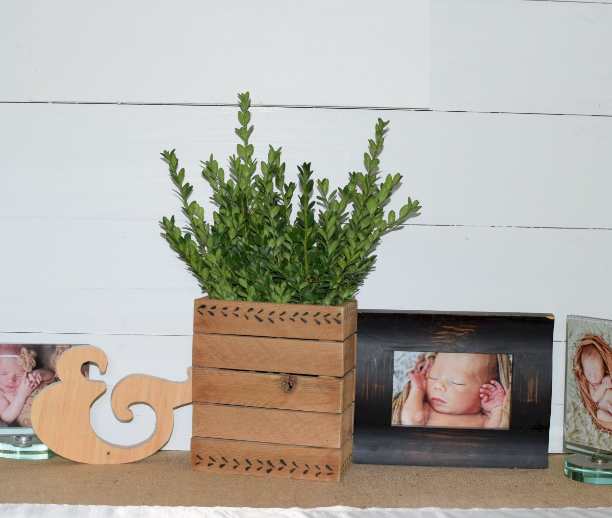Inspiring wooden box ideas for flower that you can try 20