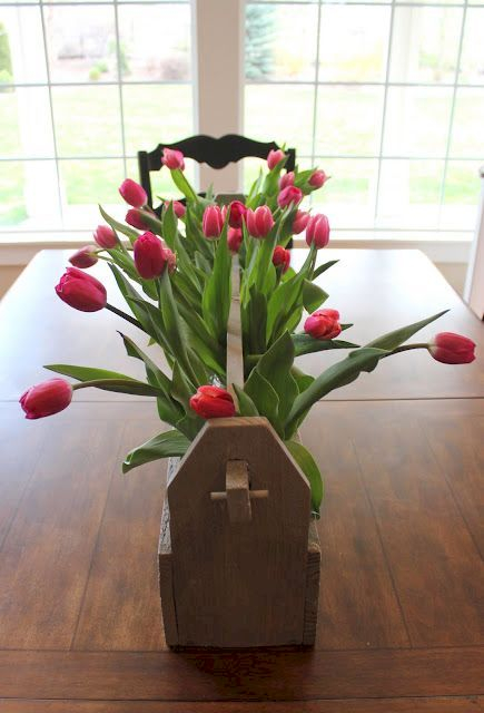 Inspiring wooden box ideas for flower that you can try 36