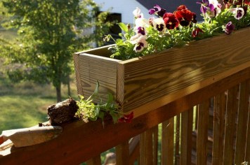 Inspiring wooden box ideas for flower that you can try 38