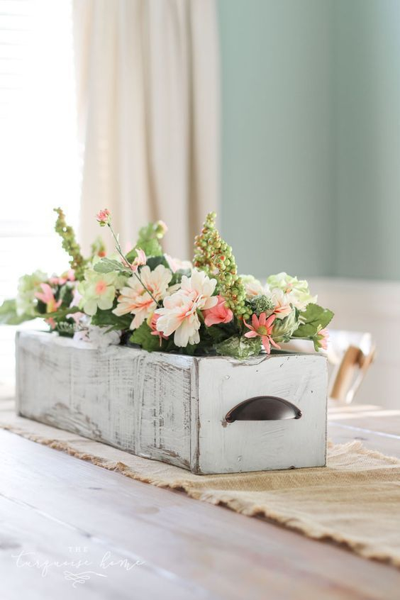 Inspiring wooden box ideas for flower that you can try 41