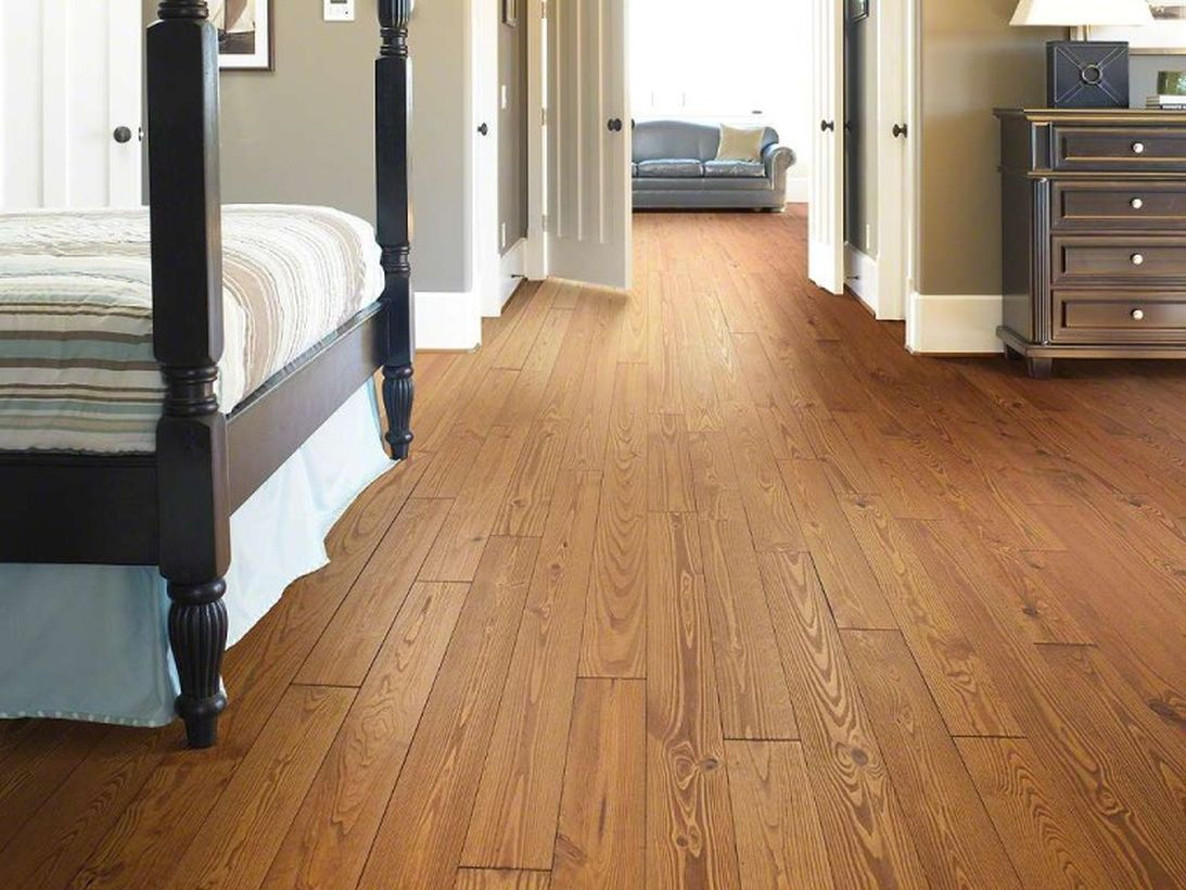 A beautiful farmhouse flooring ideas that made of pine hardwoods for summer