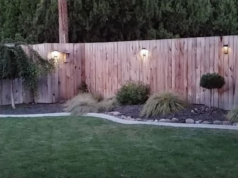 Adorable front yard lighting ideas for your summer night vibe 17