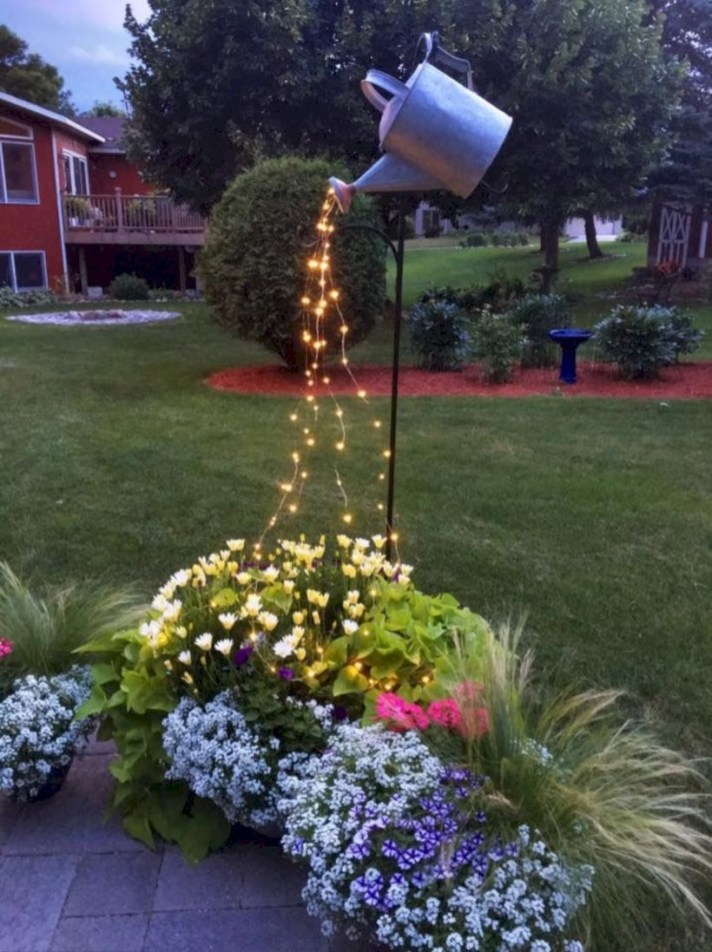 Adorable front yard lighting ideas for your summer night vibe 20