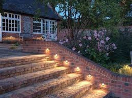 Adorable front yard lighting ideas for your summer night vibe 23