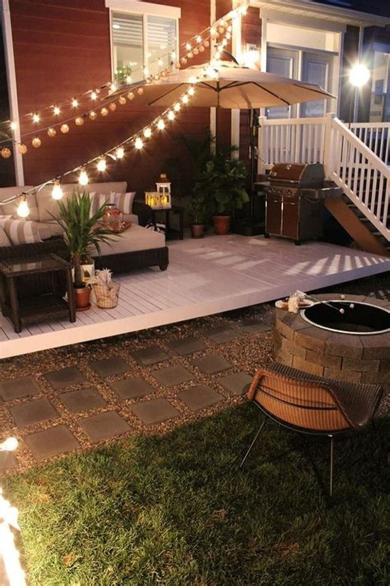Adorable front yard lighting ideas for your summer night vibe 38