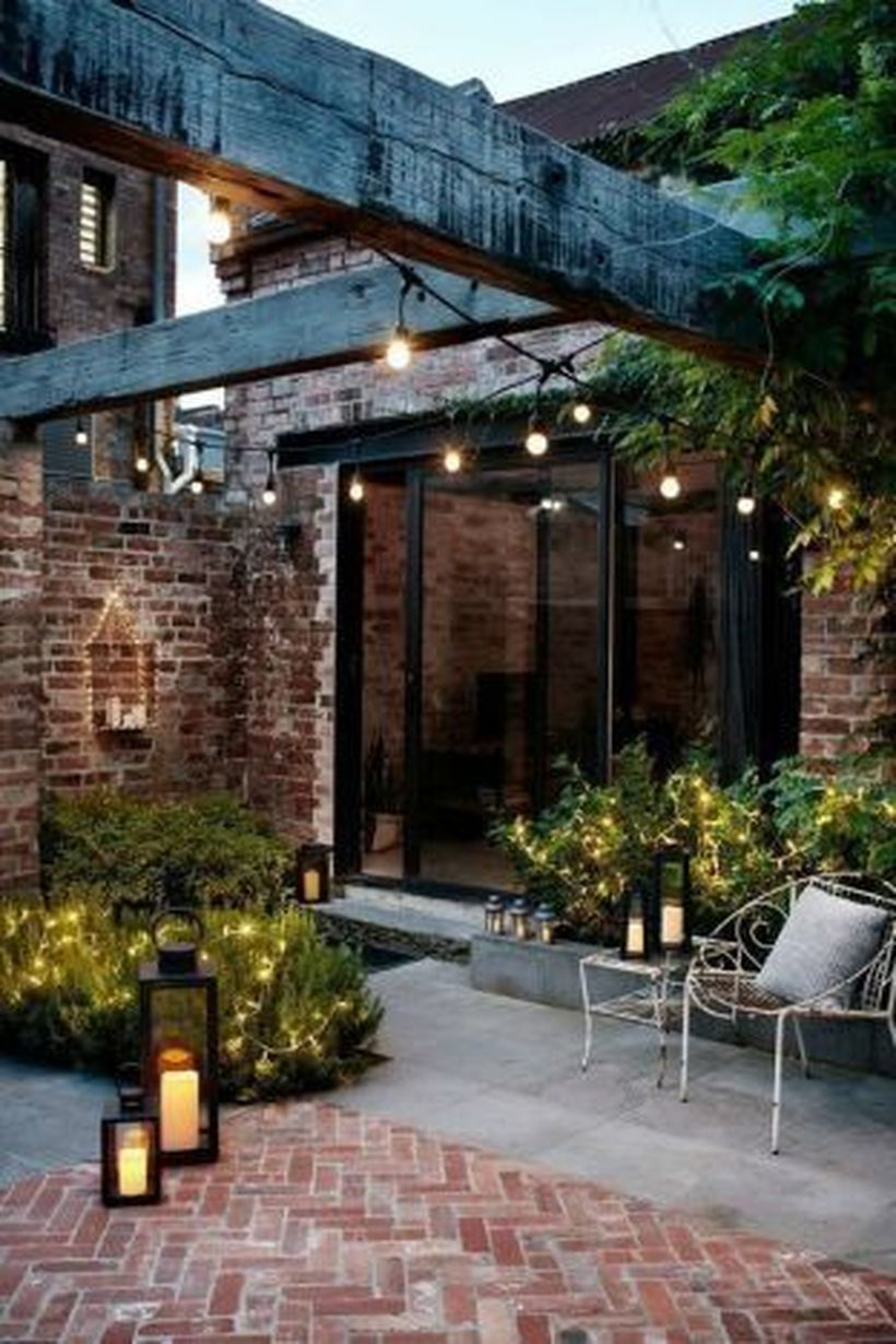Adorable front yard lighting ideas for your summer night vibe 50