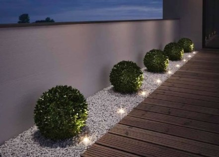 Adorable front yard lighting ideas for your summer night vibe 51
