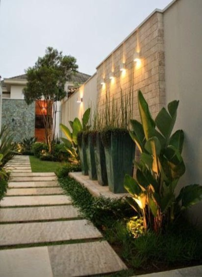 Adorable front yard lighting ideas for your summer night vibe 60