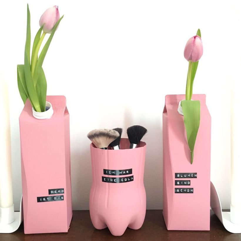 An amazing diy tetra pak vases with pink color to complete your room