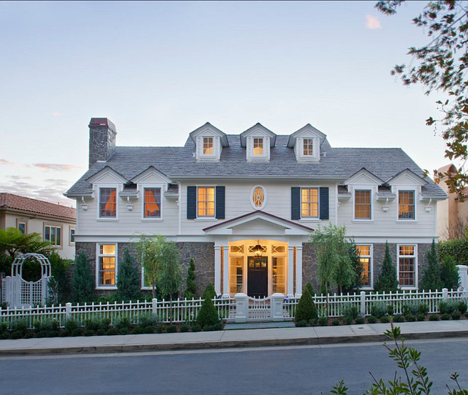 Classic home exterior design ideas with light grey roof, white walls, white fences to beautify your classic home