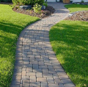 On budget garden walk path ideas for an easy movement around the garden 51