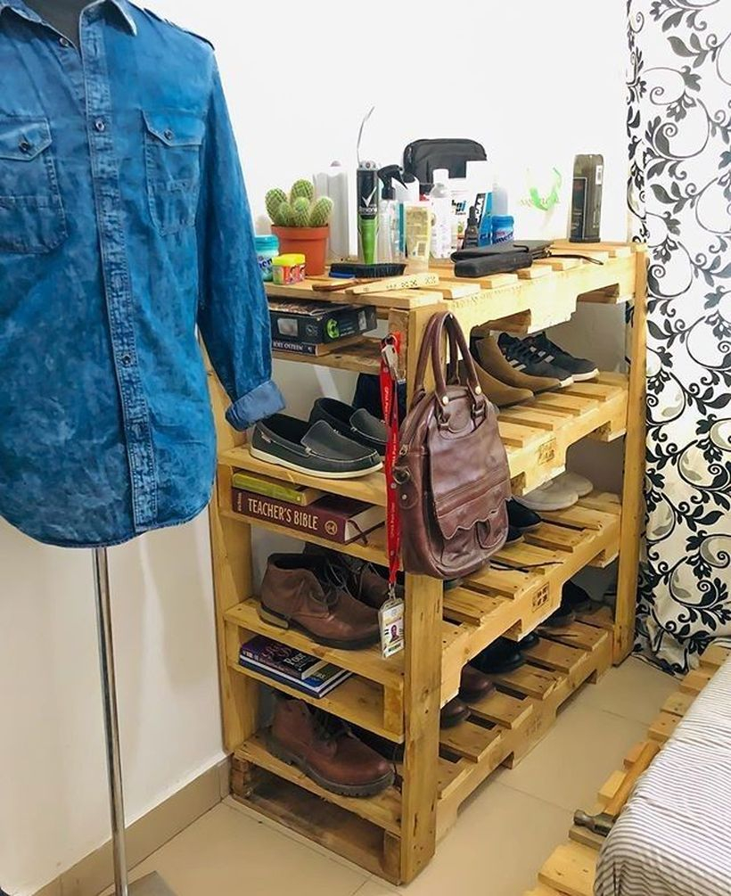 Wooden rack ideas to be applied into any home styles for a warmer room impression 31