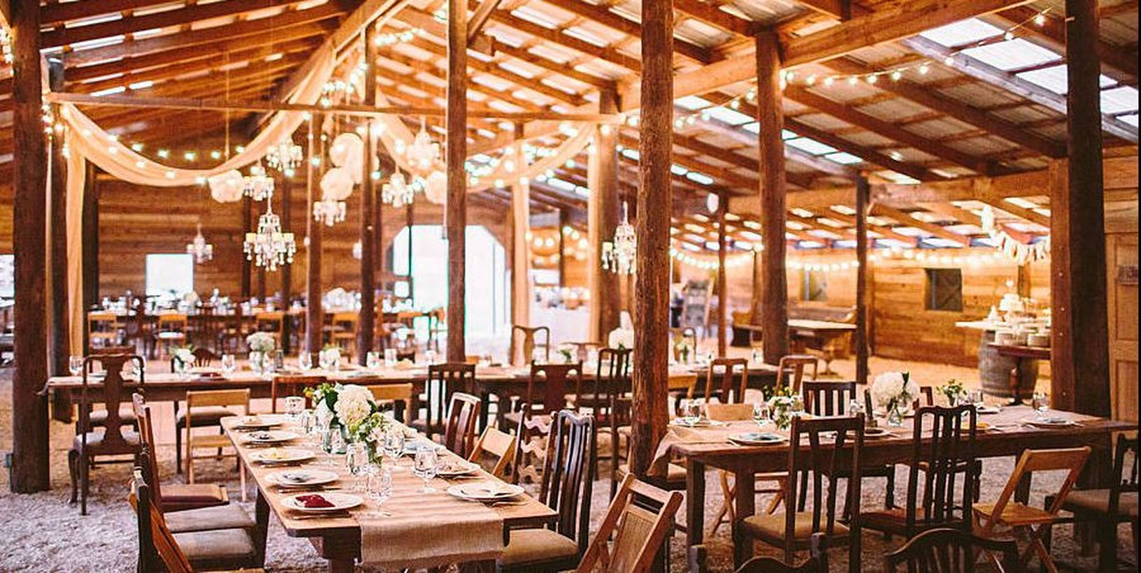 An amazing indoor venue for fall wedding with classic southern chic a fantastic blank canvas, for your dream wedding.