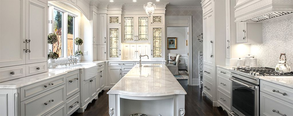An amazing kitchen design with granite kitchen countertops to complete your modern kitchen