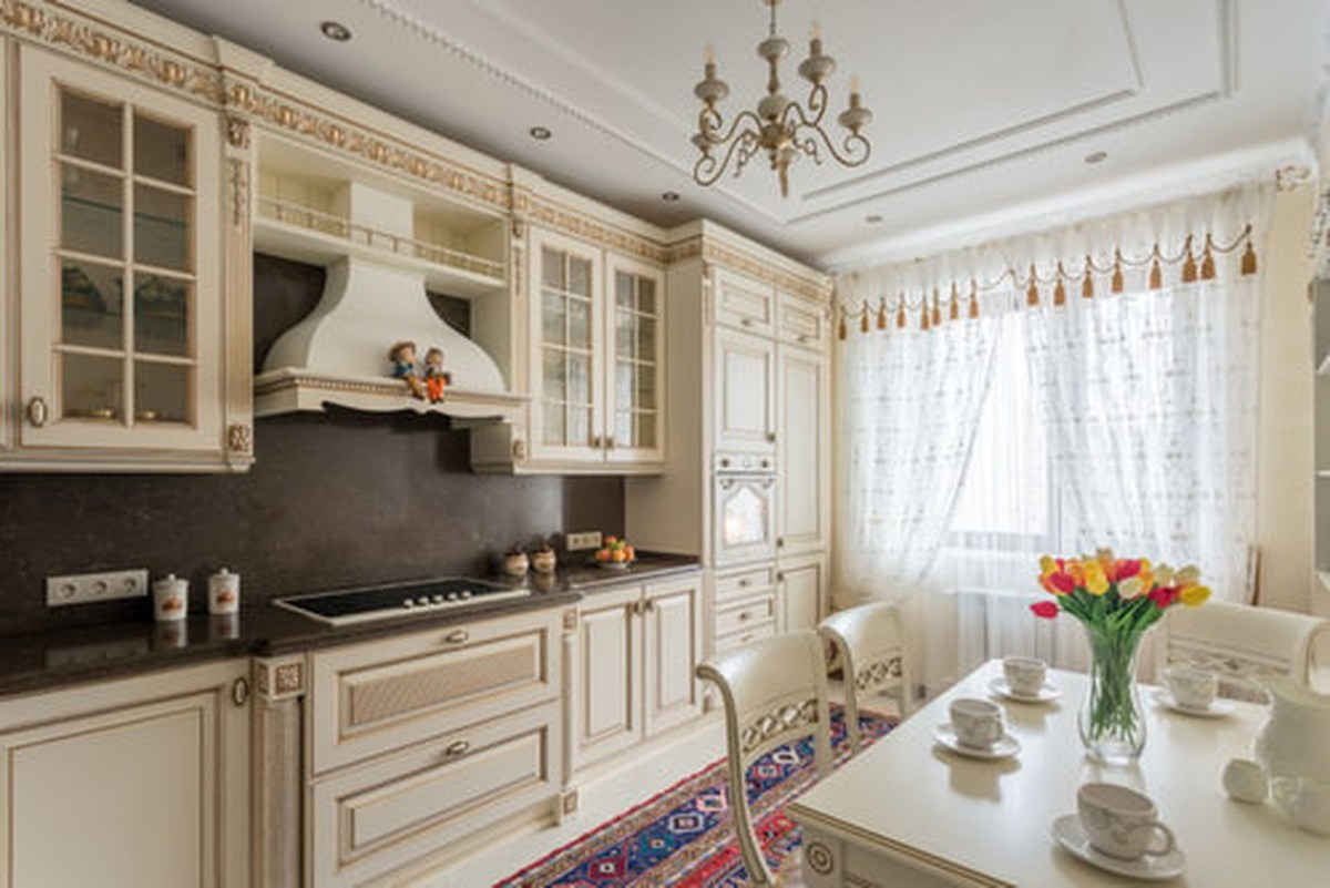 Charming beige color in the kitchen for good looking
