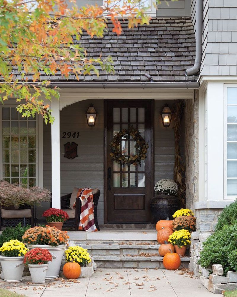 Cozy porch decoration ideas to match any home styles this fall 07