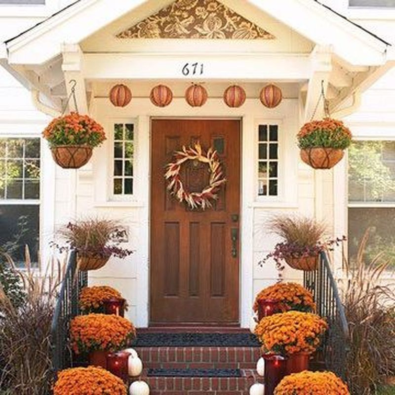 Cozy porch decoration ideas to match any home styles this fall 24