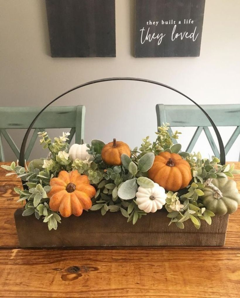 Pumpkins decoration for centerpiece