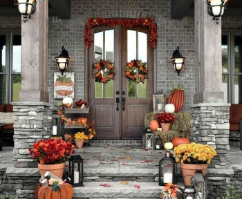 Wreath arrangement using pumpkins