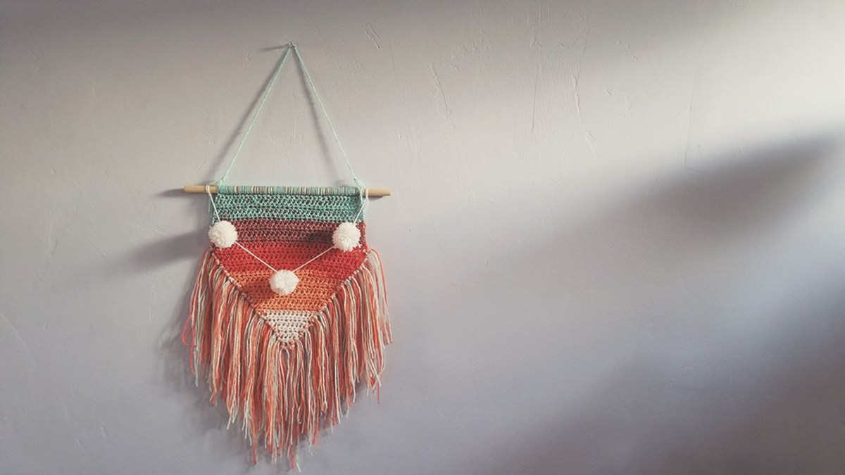 An exciting ornament for bohemian home decorating with arrow ornaments this set of neon red, fuchsia, mint and periwinkle arrows adds the perfect amount of boho charm that you can hang up around the house all year long.