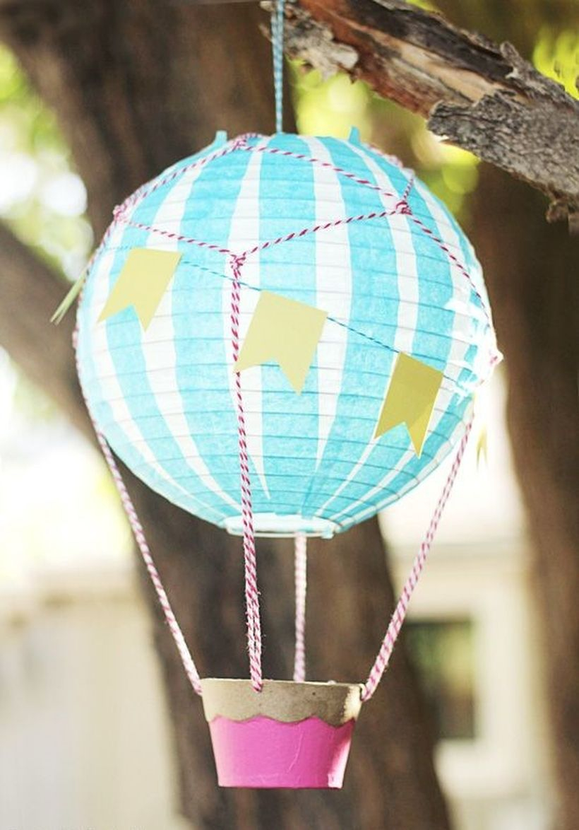 Creative hanging paper air balloon for birthday ornaments you to try