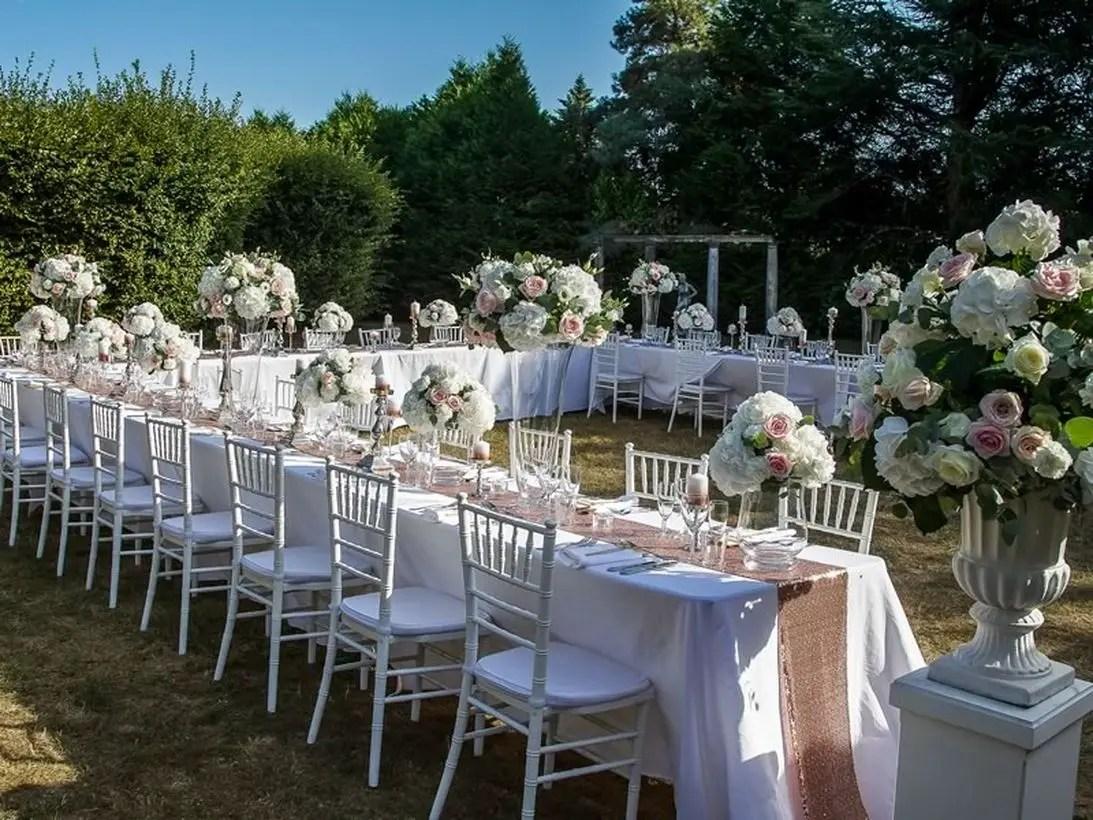 Fancy venue wedding decoration with arrangment urn flower to add romance