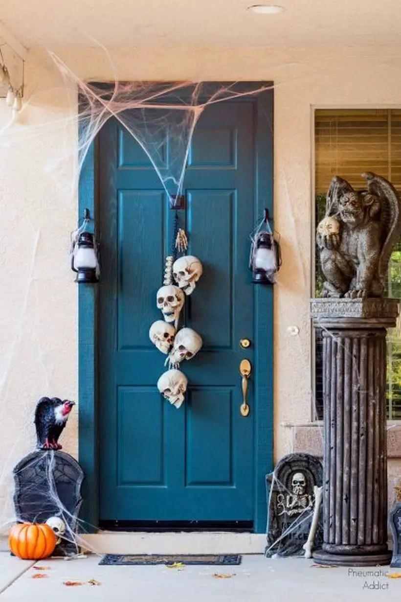 Incredible skull door hanger.
