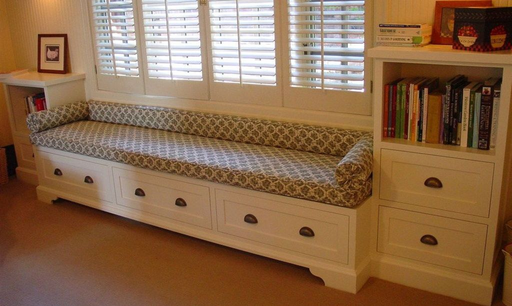 Mesmerizing rectangular storage bench with storage drawer below it to complete your entryway decoration