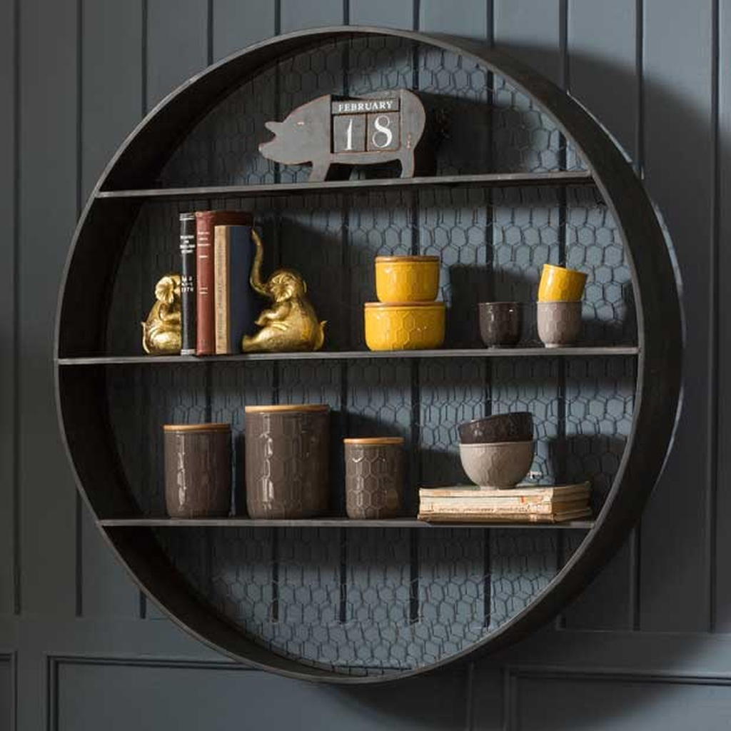 Round shelves for wall decoration