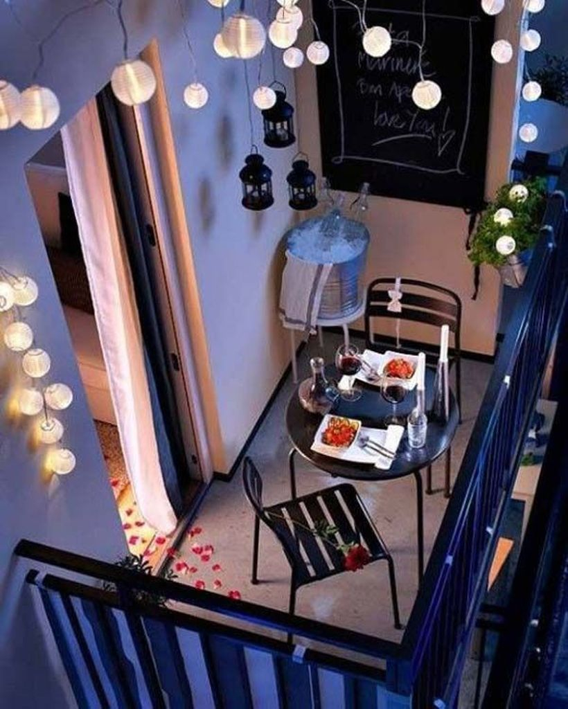 String lamps to perfect your lighting in the balcony