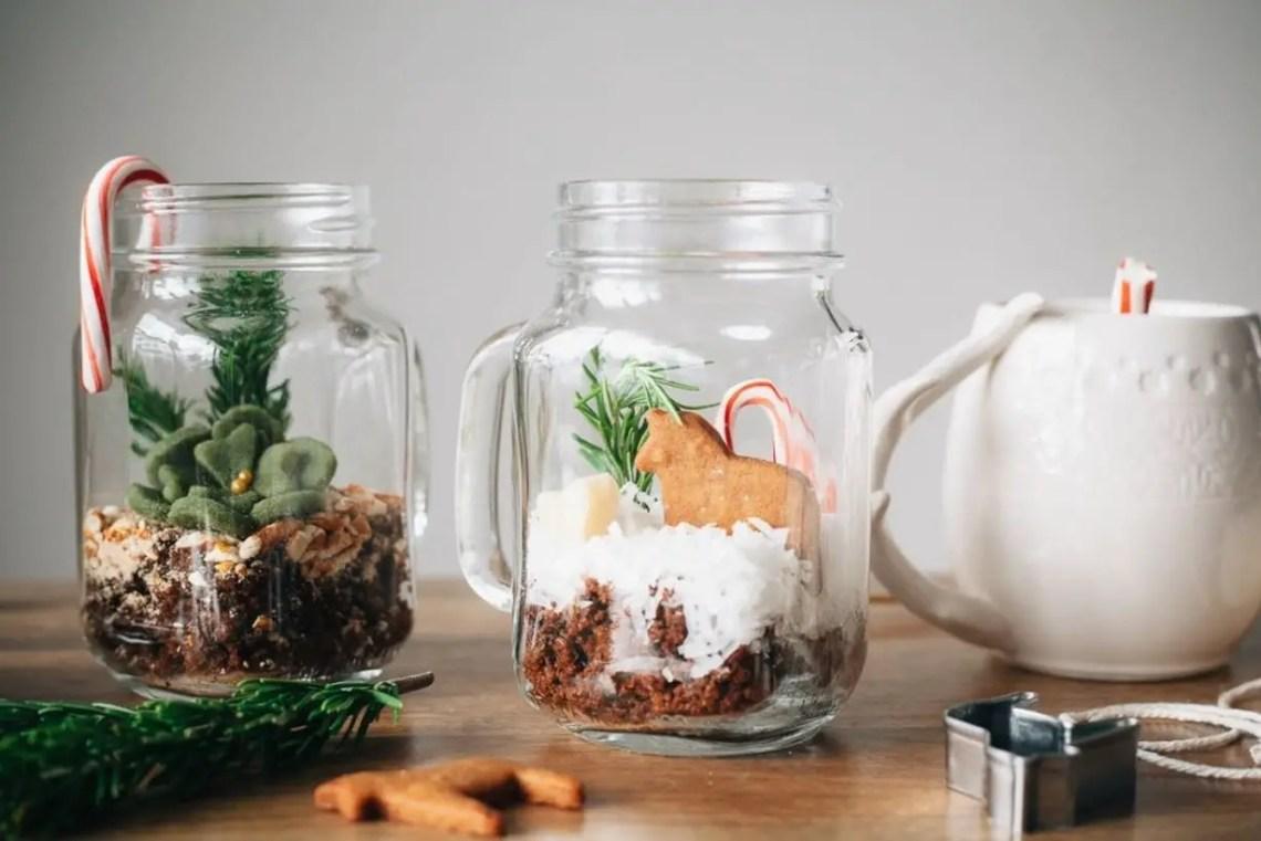 Terrarium of mason jar design pot very simple to decorate your table