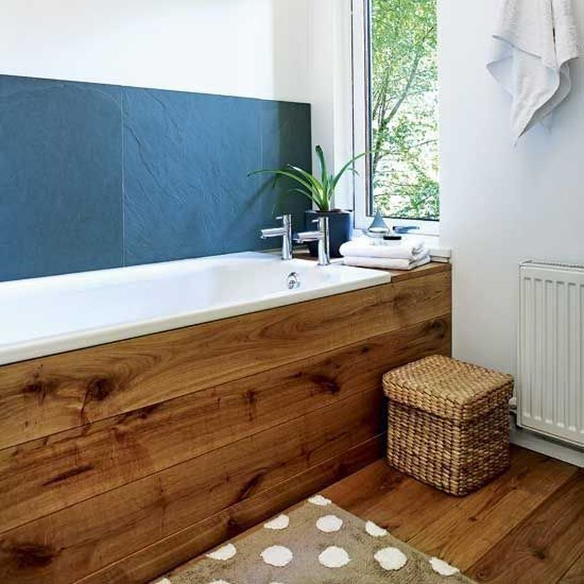 Bathtub from wooden pallet and floor