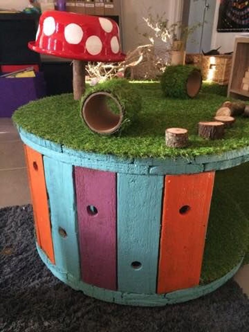 Round wooden pallet table