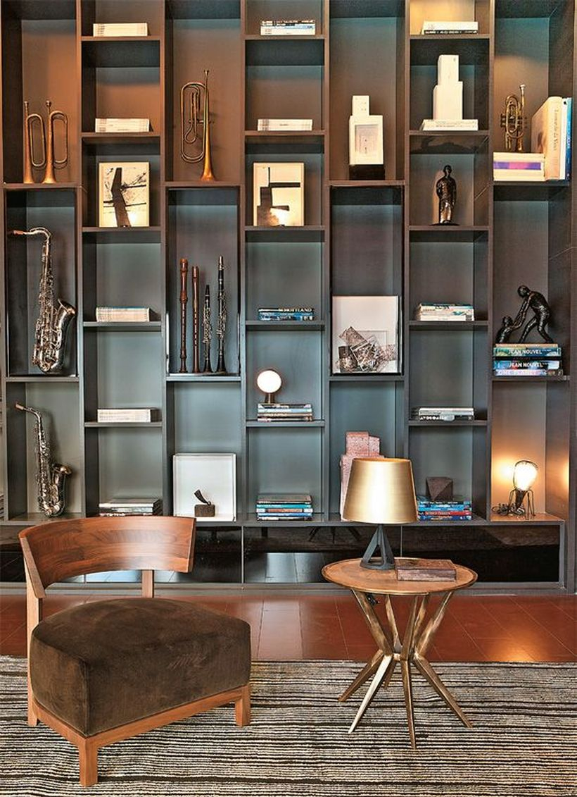 Unique bookshelves decoration