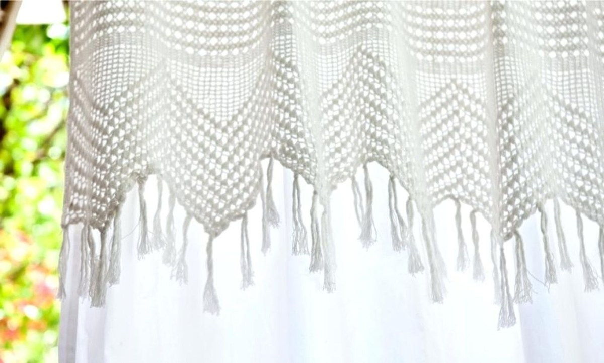 Vintage-crochet-shower-curtain-lace