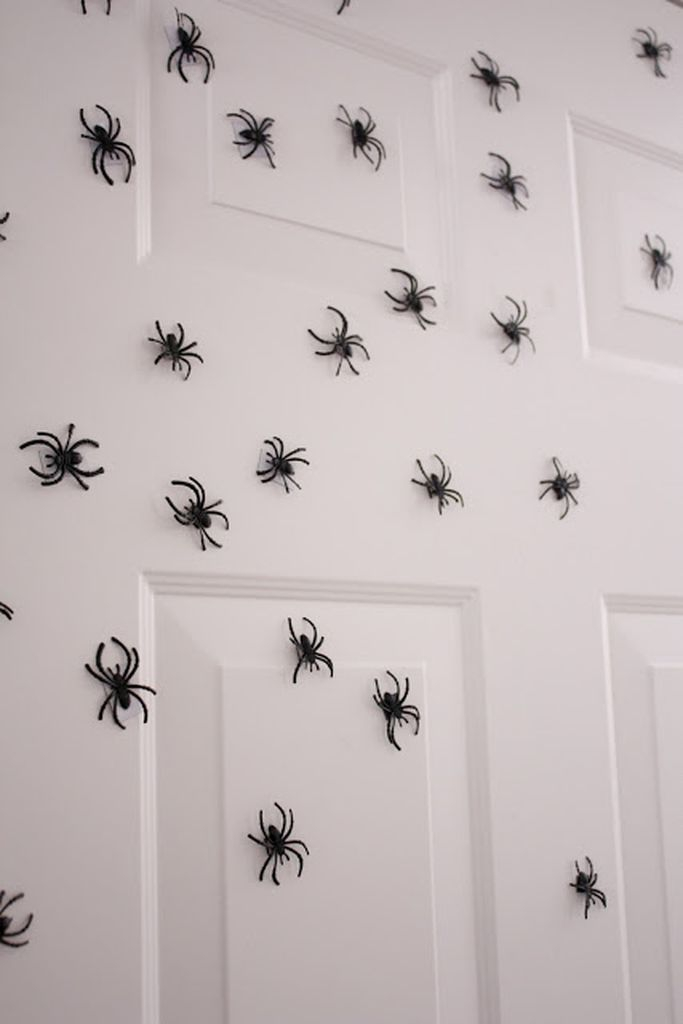 An amazing home decoration for halloween with diy spider wall decoration to perfect your indoor decoration