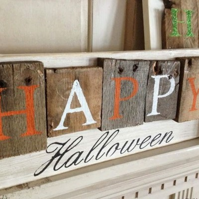 Happy wooden pallet board sentences side top view