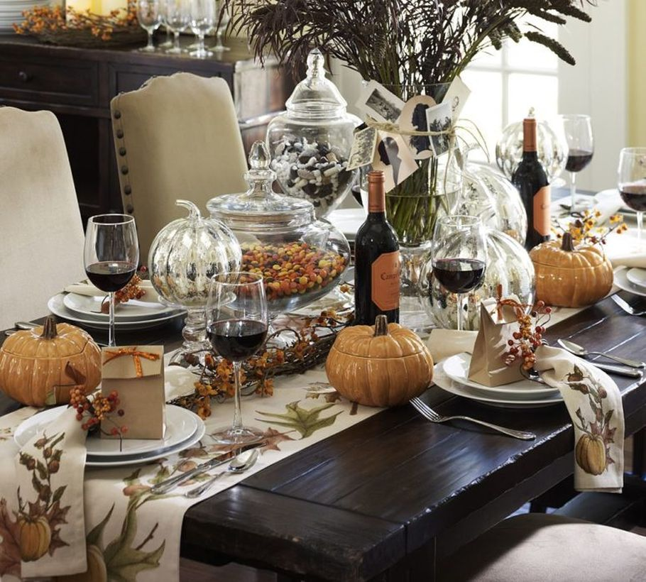 The-black-table-and-brown-pumpkin-pieces-for-thanksgiving-dinner.-